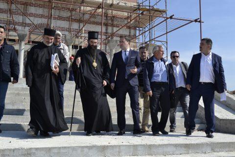 Његово Преосвештенство Епископ нишки Арсеније и господин Никола Селаковић у нашем храму